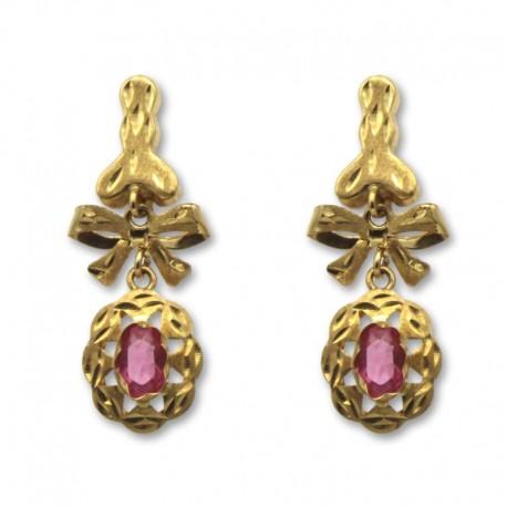Pendiente oro largo cordobes con lazo y piedra rosa