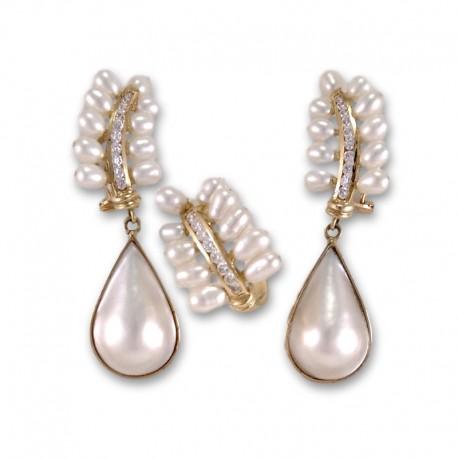 Juego de pendientes y sortija de oro con circonitas y perlas