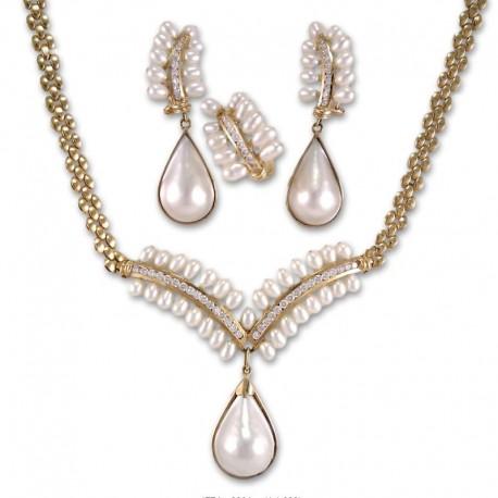 Conjunto de oro con circonitas y perlas
