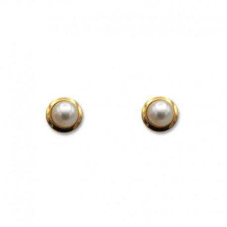 Pendiente de perla con filo de oro