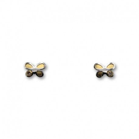 Pendiente de oro bicolor de una mariposa